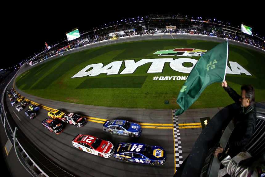 DAYTONA BEACH, FL - FEBRUARY 18: Chase Elliott, driver of the #24 NAPA Auto Parts Chevrolet, leads the field to the green flag to start the NASCAR Sprint Cup Series Can-Am Duels at Daytona International Speedway on February 18, 2016 in Daytona Beach, Florida. (Photo by Sarah Crabill/NASCAR via Getty Images)