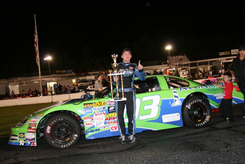 Brenden Queen victorious in first Late Model Stock Feature. (Justin Kern/TheWeeklyRacer.com)