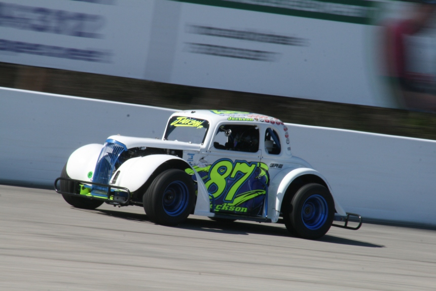 Tommy Jackson Jr. Back in Victory Lane in INEX Legends Feature at ...