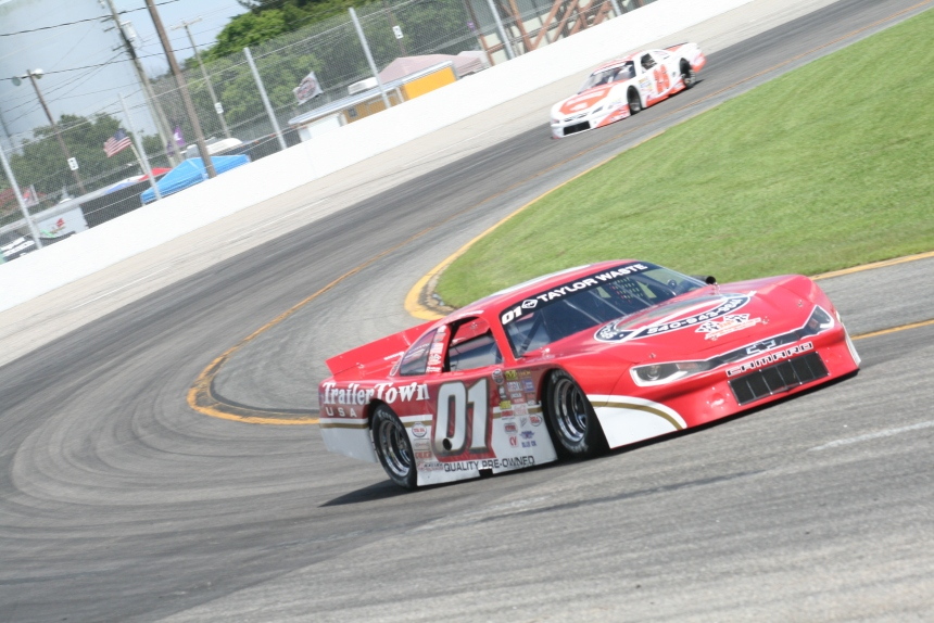 Philip Morris works through turn two at Larry King Law Langley Speedway Saturday, August 4, 2018, en route to two more victories. (Justin Kern/TheWeeklyRacer.com)
